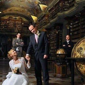 Офіційна весільна церемонія в Клементинумі, Весілля в Клементинумі, Весілля в Чехії, Весільна церемонія в Чехії, весілля за кордоном, весільна церемонія за кордоном