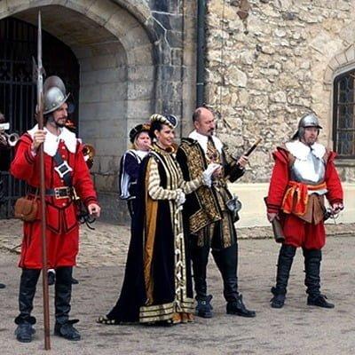 Офіційна весільна церемонія в замку Сіхров, Весілля в Чехії, Весільна церемонія в Чехії, весілля за кордоном, весільна церемонія за кордоном
