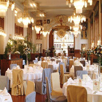 Весільна церемонія в празькому муніципальному домі, Весілля в Чехії, Весільна церемонія в Чехії, весілля за кордоном, весільна церемонія за кордоном