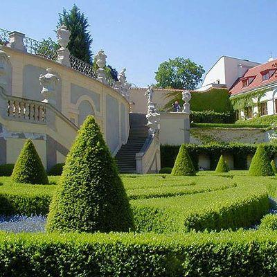 Весільна церемонія в Празьких палацових садах, Весілля в Чехії, Весільна церемонія в Чехії, весілля за кордоном, весільна церемонія за кордоном