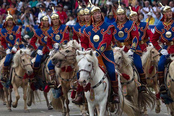 Їздити верхи. Монголія
