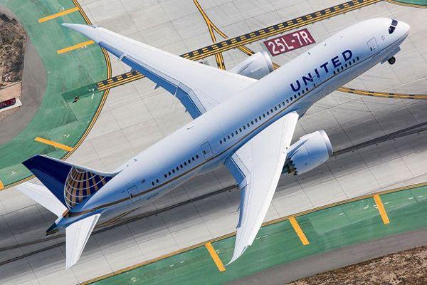 Прослуховування радіоефіру під час польоту Американська авіакомпанія United Airlines
