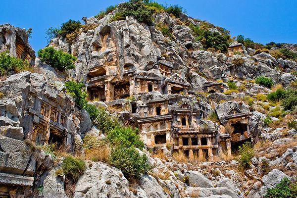 Древнє місто Мира