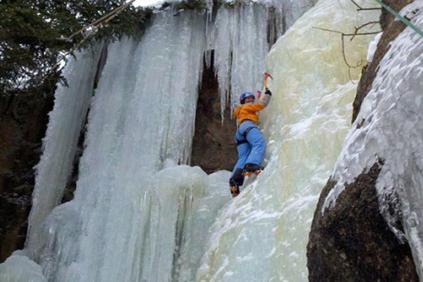 Сходження по замерзлому водоспаду — Британська Колумбія, Канада
